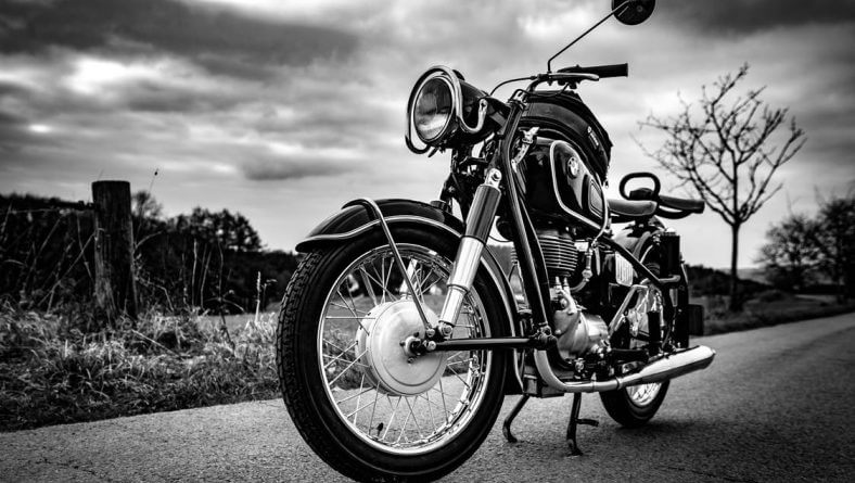 Expert Motorcycle PDR Technicians With Sioux Falls Dent Repair